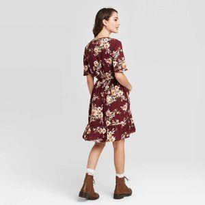 Xhilaration Dresses - Floral Short Sleeve V-Neck Smocked Dress POCKETS